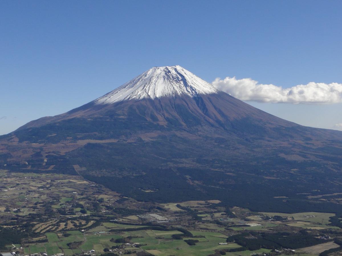 Mt Kenashi (1964m), Mt Ama (1771m), Fujinomiya City, ShizuokaPrefecture