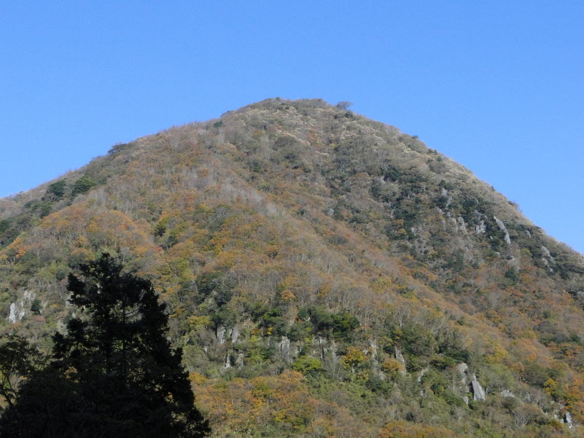 Mt Nango (610m), Mt Maku (626m) and Mt Shiro (563m), Yugawara Town, Kanagawa Prefecture